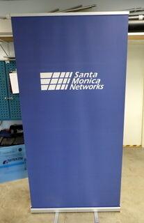 Santa Monica Networks roll up bänner