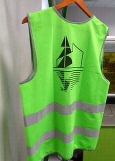 Roheline helkurvest logoga